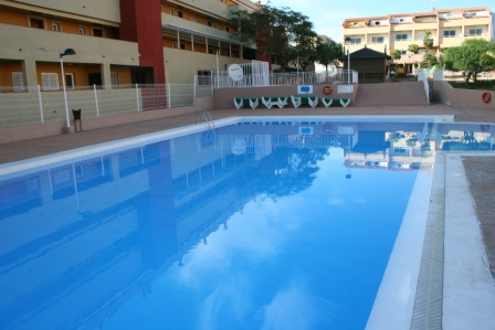 4 bedroom townhouse available for sale on the quiet residential complex of Oasis Dakota in Fa&ntilde, Spain
