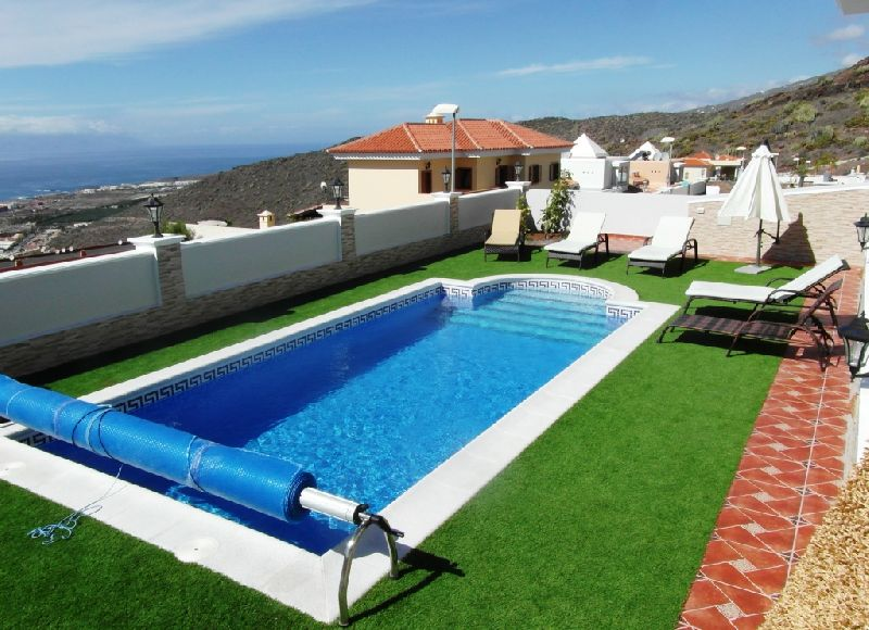 Luxurious independent villas in the tranquil area of Roque del Conde, these spectacular villas are b, Spain