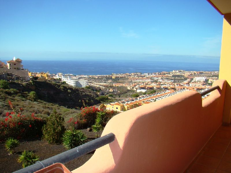 2 bedroom apartment in the tranquil area of Roque del Conde, with fantastic views of the coast and L, Spain