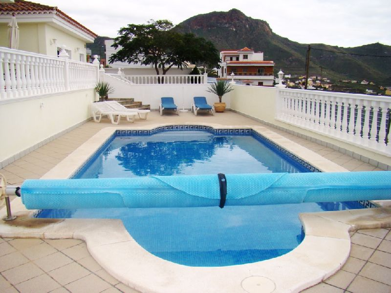 PRICE REDUCED 100.000 !!!!! Beautiful villa with panoramic mountain and coastal views. Cleverly and , Spain
