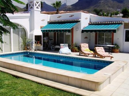 Three bedroom villa with private swimming pool and large garden situated in El Madronal de Fa&ntilde, Spain