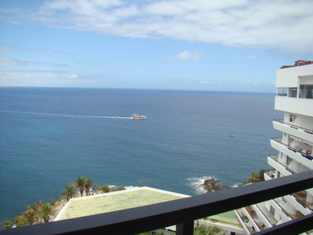 Only for discerning buyers, this 3 Bedroom penthouse located in a first line complex. This large pen, Spain