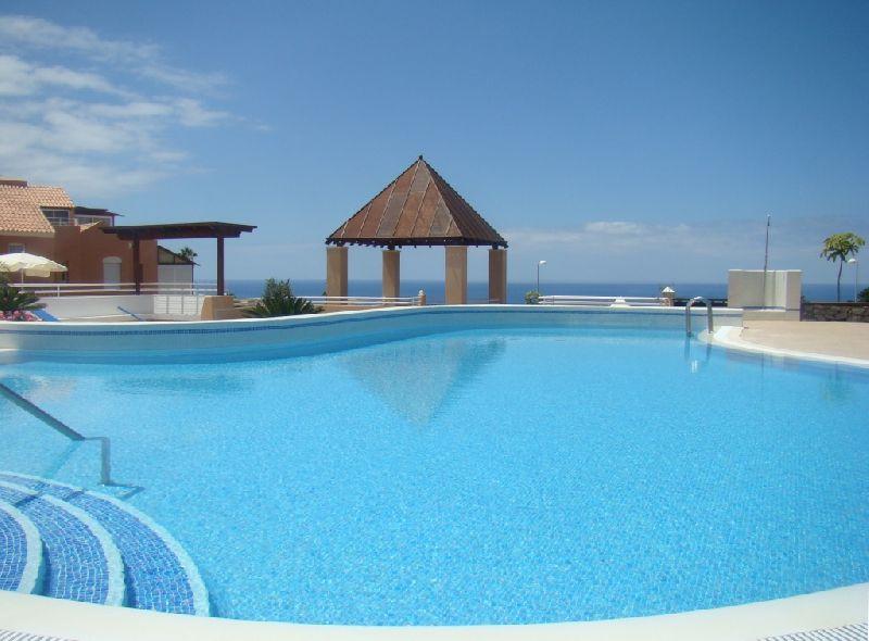 Luxury corner villa on the impressive Mirador Del Golf development. This spacious property has been ,Spain
