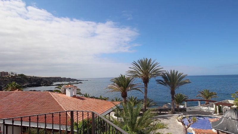 Opportunity to buy a house close to the sea, ideally situated in the small coastal village of Alcala, Spain