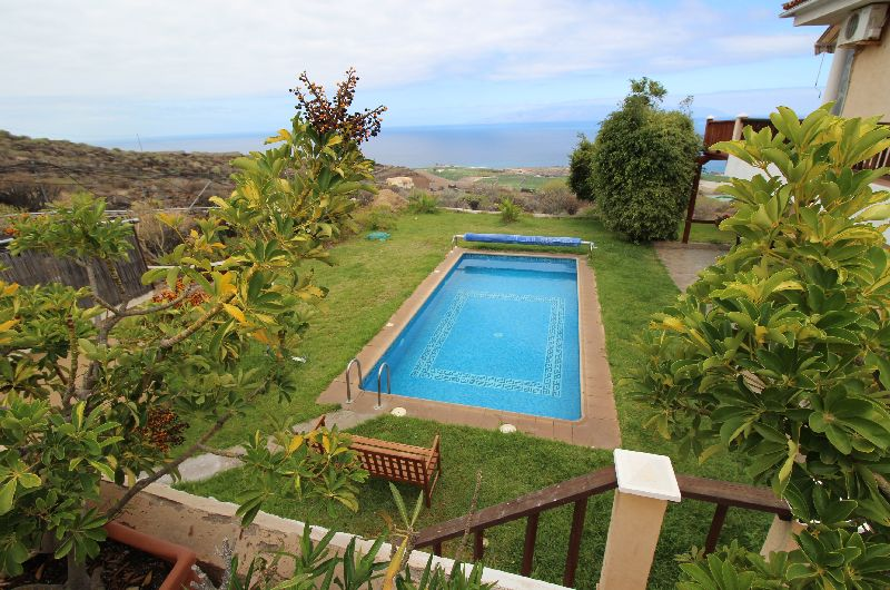 4 bedroom detached Canarian rural retreat set on a private plot of 6500 m2 in the peaceful west coas, Spain