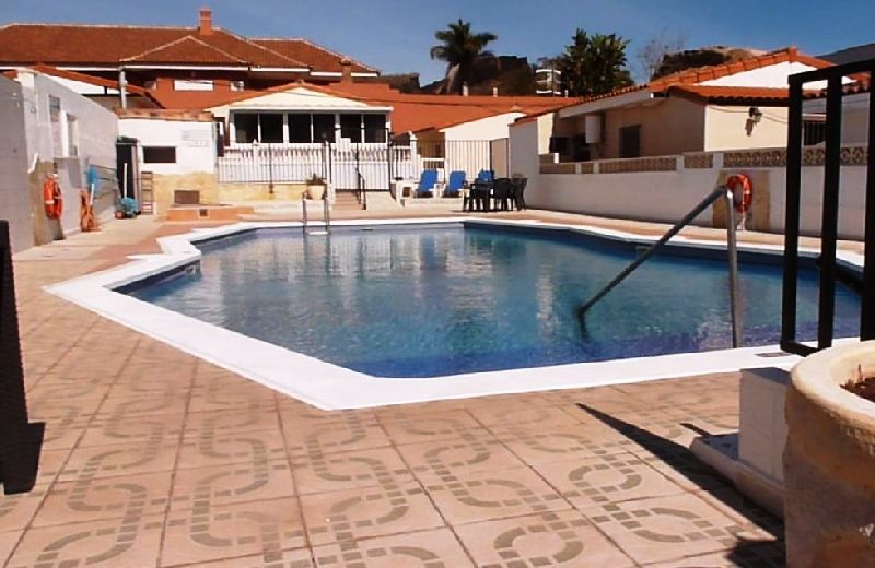 Bungalow in the convenient area of Aldea Blanca. This bungalow comprises of 2 double bedrooms and a , Spain