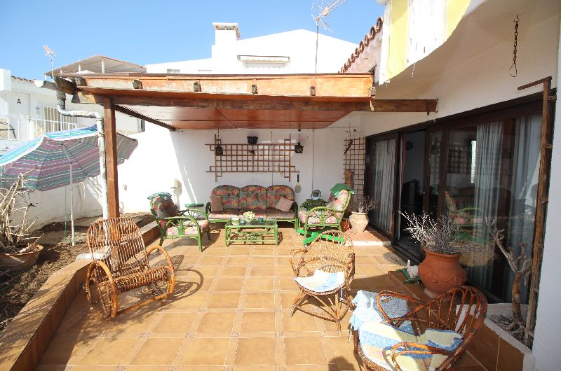 This bungalow in the complex Las Flores in San Eugenio is a great opportunity to buy a property clos, Spain